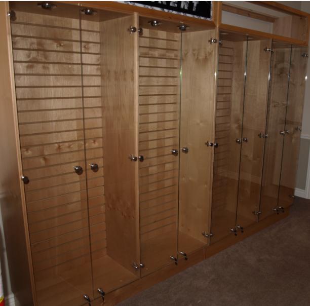 ... 604 In Custom Made Glass Display Cabinets ...